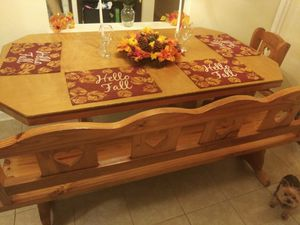 Dining room table for Sale in Lewisville, TX
