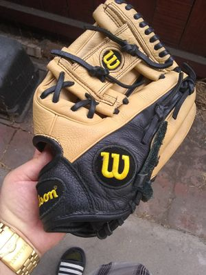 Wilson A500 leather baseball glove for Sale in Whittier, CA