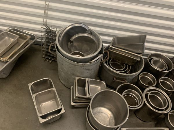 STAINLESS STEEL CONTAINERS (RESTAURANT SUPPLIES)
