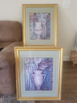 Living room, kitchen table, end table and lamps, paintings for Sale in Foley, AL