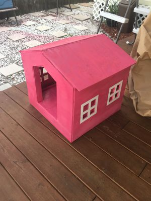 Custom dog house never used for Sale in Tampa, FL