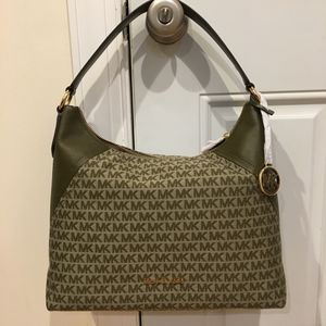 Michael Kors handbag for Sale in Chicago, IL