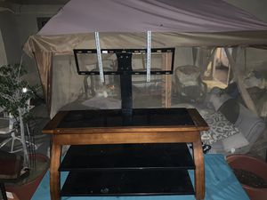 Entertainment center with tv mount for Sale in Anaheim, CA