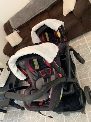 Graco double stroller w/ car seats for Sale in Tampa, FL