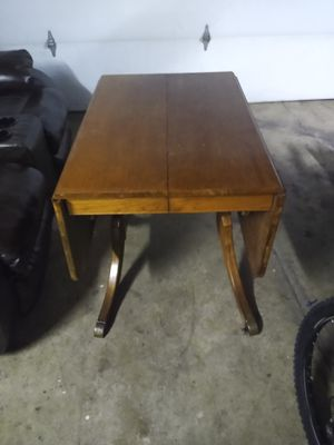 Antique Oak Leaf Table for Sale in Columbus, OH