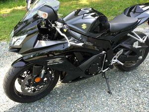 I'm looking for a cheap motorcycle $1000-$1500 sport bike so let me know what you got ? for Sale in Germantown, MD