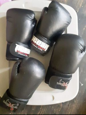 4 boxing gloves for Sale in Meriden, CT