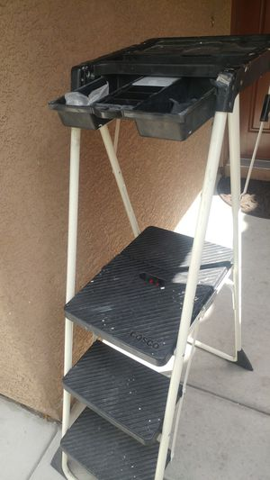 """""""COSCO"""" 3-STEP LADDER WITH TOOL COMPARTMENT IN GREAT CONDITION for Sale in Las Vegas, NV"""