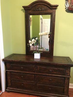 Wooden bedroom set for Sale in Aurora, IL