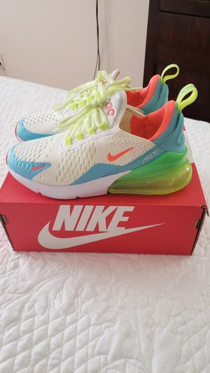 NIKE, Like New.! for Sale in Scarsdale, NY