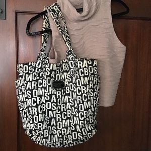 MARC JACOBS Set of Black & White Letter Tote and Wallet for Sale in Long Beach, CA