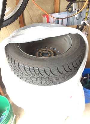 Honda rims and tires Goodyear P215/60/R16 fit 2012 accord and many other Honda for Sale in Lake Stevens, WA
