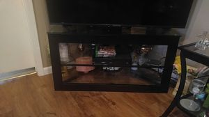 3 shelve, glass with black frame, excellent condition for Sale in Malvern, AR
