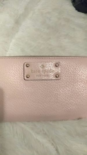 KATE SPADE WALLET for Sale in Riverside, CA
