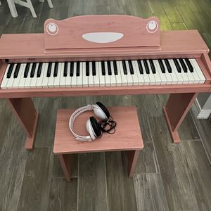 Children's Electric Piano for Sale in Baker, FL