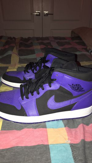 PURPLE/BLACK AIR JORDAN 1 SIZE 13 MEN for Sale in Memphis, TN