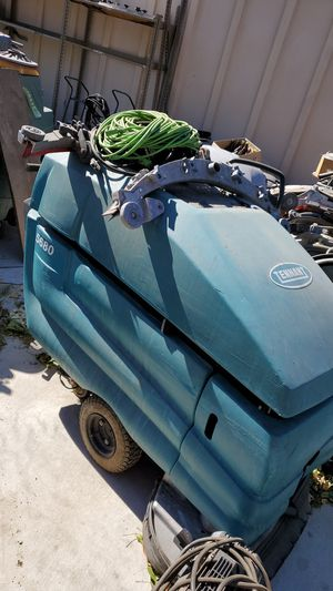 Floor scrubber for Sale in Lake View Terrace, CA
