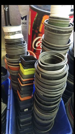 Assorted garden pots for Sale in Cibolo, TX