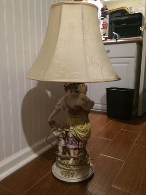 Antique/Vintage lamp for Sale in Fuquay Varina, NC