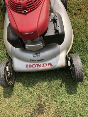 Honda lawn mower grass cutter for Sale in Burleson, TX