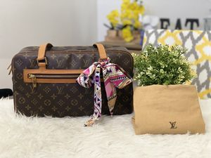 LOUIS VUITTON Monogram Cite GM for Sale in Rowland Heights, CA