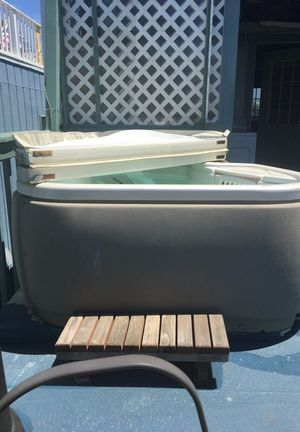 Hot tub for Sale in Redwood City, CA