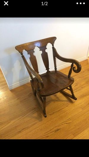 Antique oak rocker/ rocking chair for Sale in Chula Vista, CA