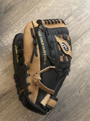Rawlings left handed baseball glove 11 1/2 in for Sale in Marina del Rey, CA