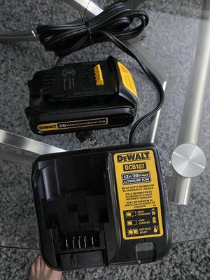 Cargador y batería nuevos $40 precio fijó for Sale in Chicago, IL