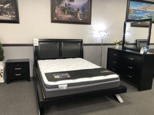 Black Queen Platform Bedroom Set for Sale in Fresno, CA