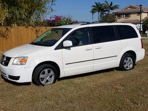 2010 grand caravan sxt for Sale in Miami, FL