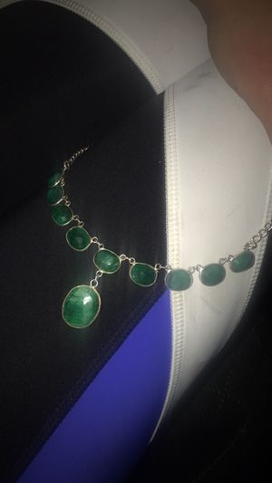 Emerald necklace set in silver and platinum for Sale in Anchorage, AK
