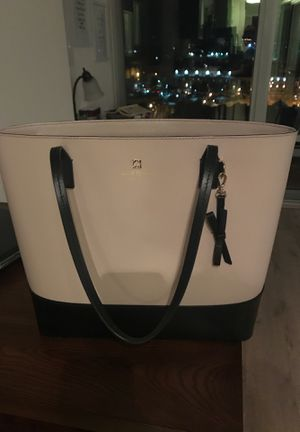 Kate Spade black and cream tote for Sale in Washington, DC