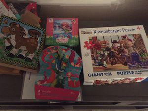 Miscellaneous games and puzzles 40-75 pieces for Sale in St. Petersburg, FL