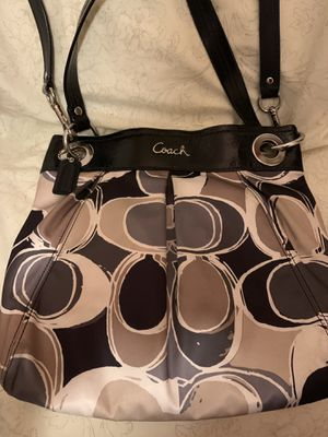 Nice Coach cross body for Sale in Ontario, CA
