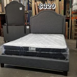 QUEEN BED FRAME AND MATTRESS for Sale in Paramount, CA
