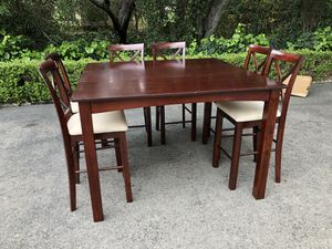 Bar stool kitchen table with 6 chairs for Sale in Los Angeles, CA