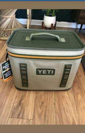 Yeti cooler 35 for Sale in Atlanta, GA