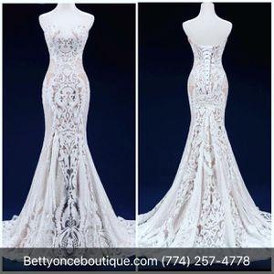 Mermaid Weddind dress for Sale in Brockton, MA