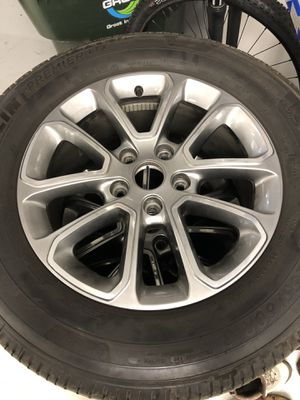 2016 Jeep Grand Cherokee Wheels & Tires With Sensors for Sale in Lake in the Hills, IL