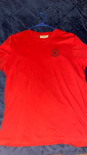 Red Burberry t for Sale in St. Louis, MO