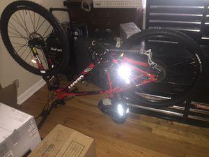Giant SR SunTour XCT adult mountain bike. for Sale in Roswell, GA