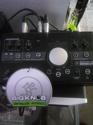 Like New Mackie Big Knob studio monitor controller and interface!!!! for Sale in Tacoma, WA