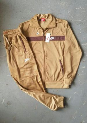 AUTHENTIC NIKE SUIT (L, 3X) for Sale in Landover, MD