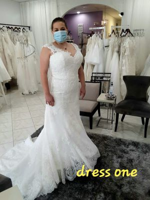 Wedding dress & vail for Sale in Plant City, FL