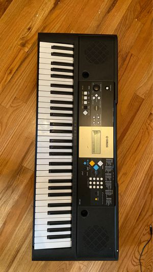 Yamaha Keyboard with Charger for Sale in North Bergen, NJ