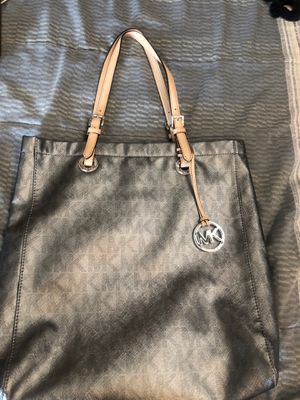 MK tote 👜 bag for Sale in Alhambra, CA