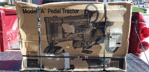 New 1999 John Deere Pedal Tractor Ertl Metal for Sale in El Paso, TX