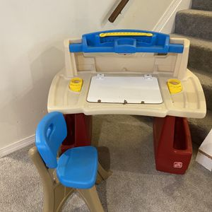 Kid's Desk With Chair for Sale in Livonia, MI
