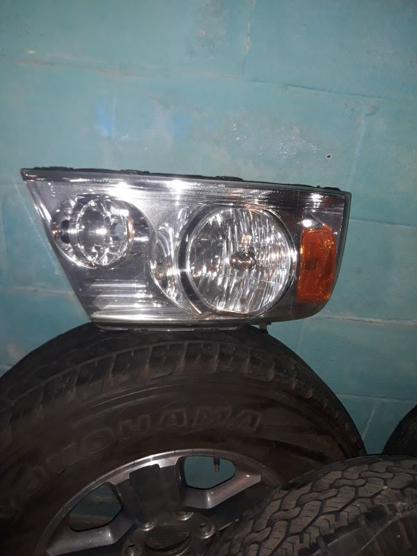 Tires and headlight for F150 for 2006